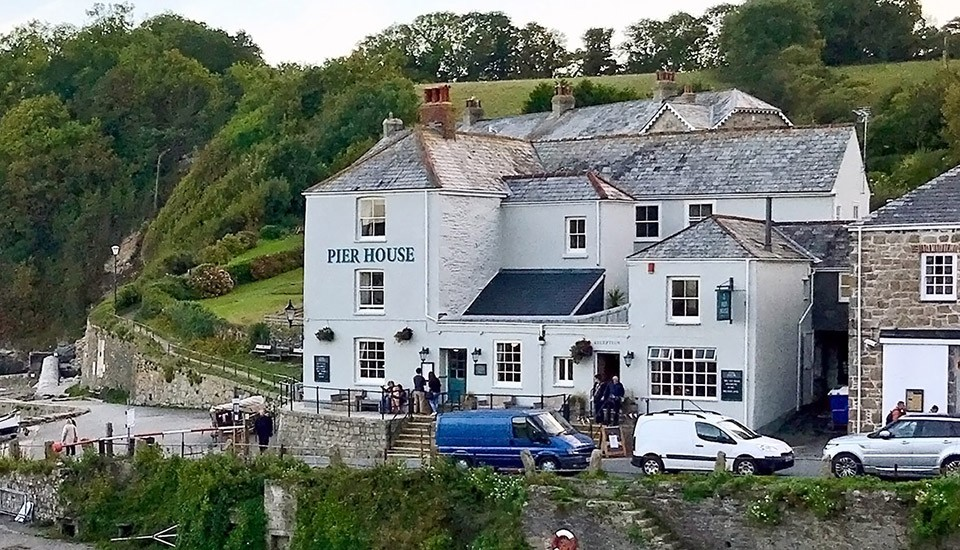 Pier House Hotel