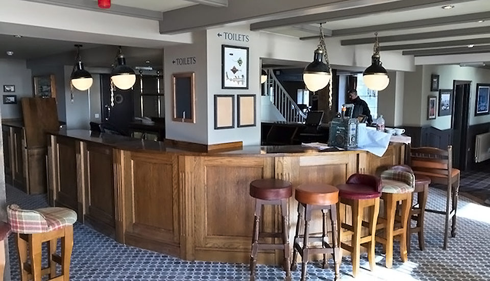 Pier House Hotel bar in Cornwall